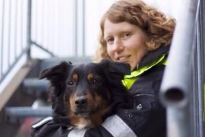 Mandy van den Borg und Suchhund Feline